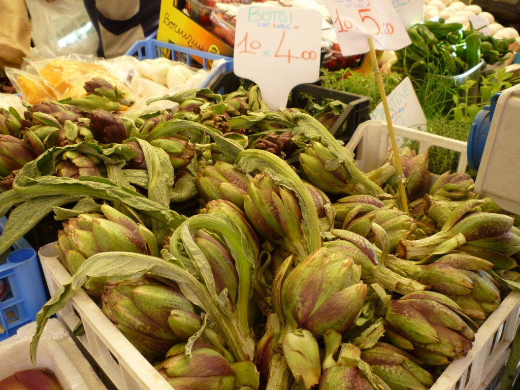 artichokes in market italy bike tours