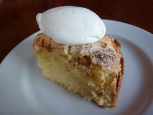 Torta with whipped cream