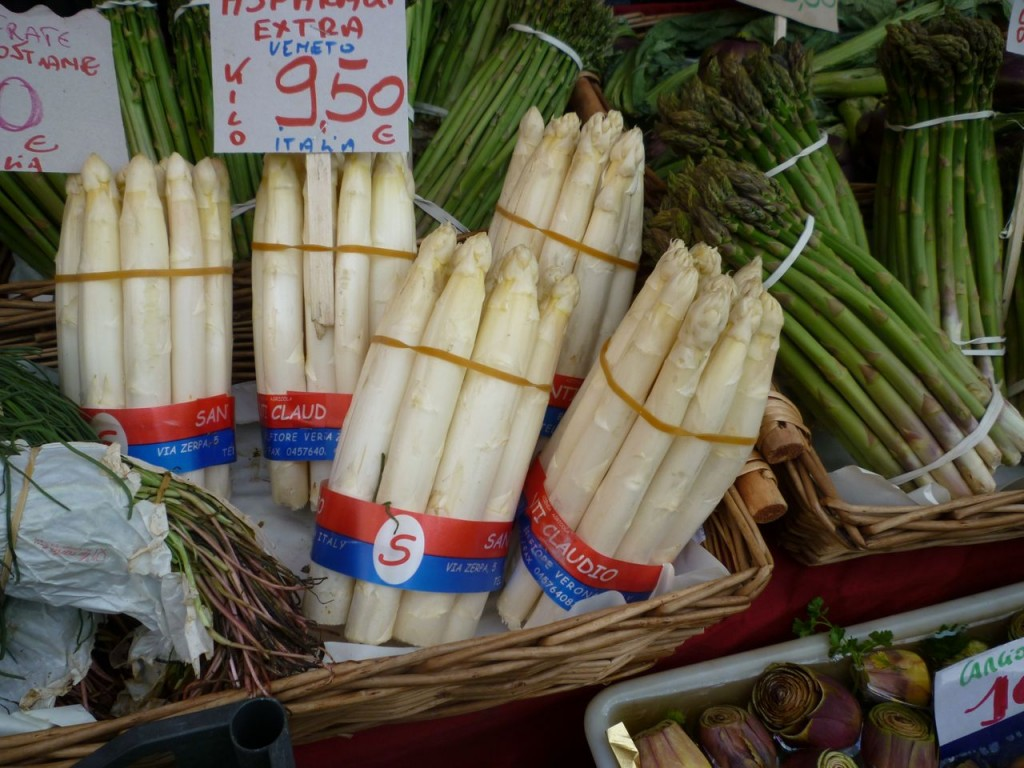 White asparagus in Italy market - custom cycle tours italy