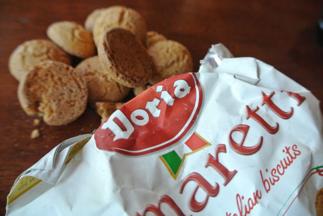 amaretti cookies cycling holidays europe italiaoutdoors food and wine