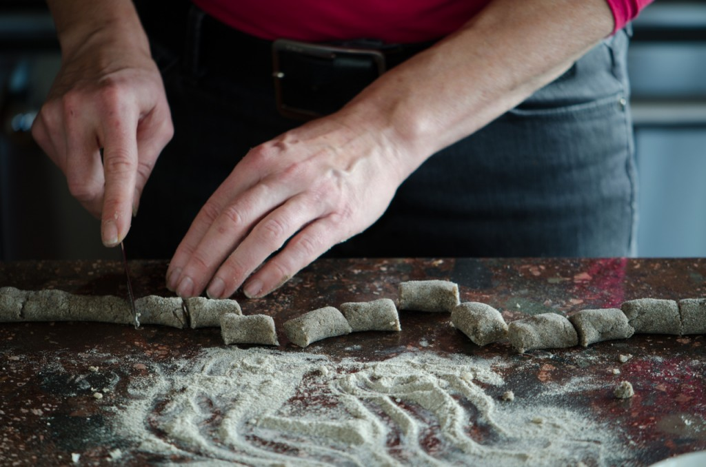 forming gnocchi gourmet cycling holidays italy italiaoutdoors food and wine