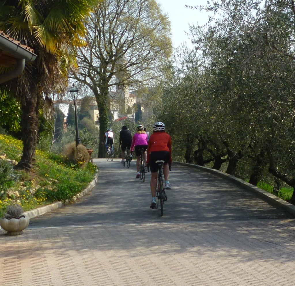 biking family bicycle tours italy italiaoutdoors food and wine