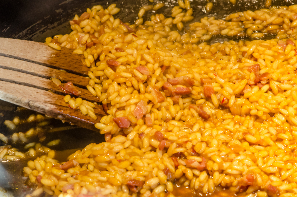 cooking risotto custom walking tours italy