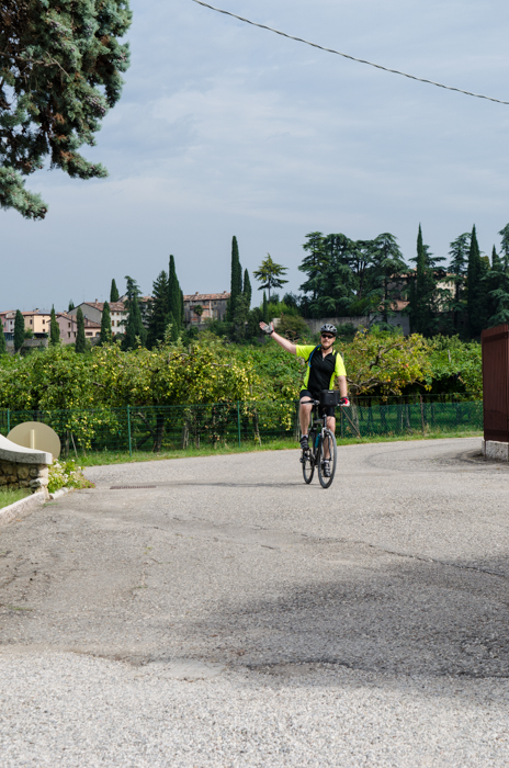 cyclist-amarone-cycling-tour-italy