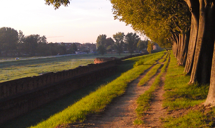 ferrara-walls-italy-walking-tours