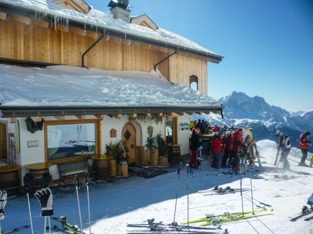 rifugio averau ski tours dolomites italy