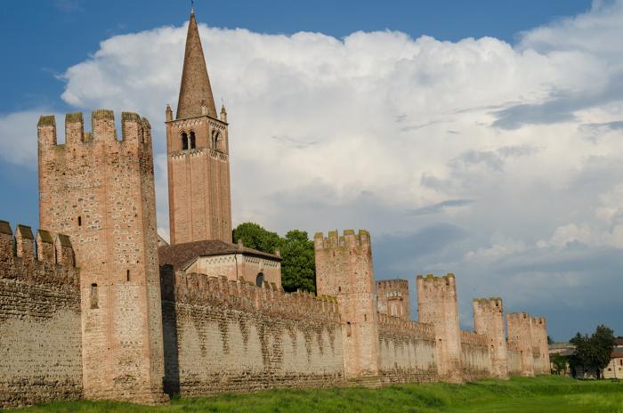 montagnana walls walking tours italy