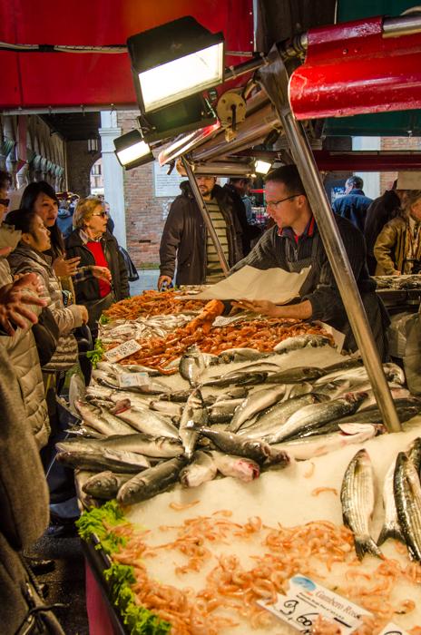 rialto-fish-market-venice-walking-tours