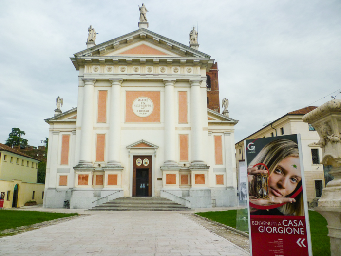 castelfranco-duomo-italy-cycling-tours