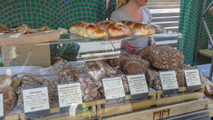 paarlbrot-market-private-bike-tours-italy