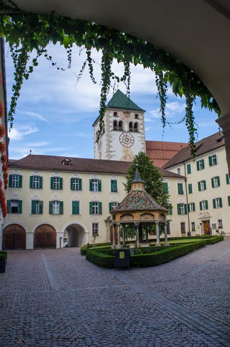 abbazia-novacella-walking-tour-italy