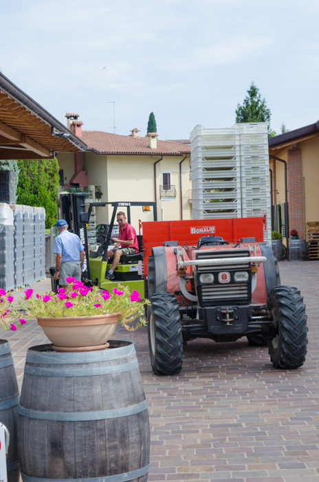 tractor-brunelli-cycling-tour-italy